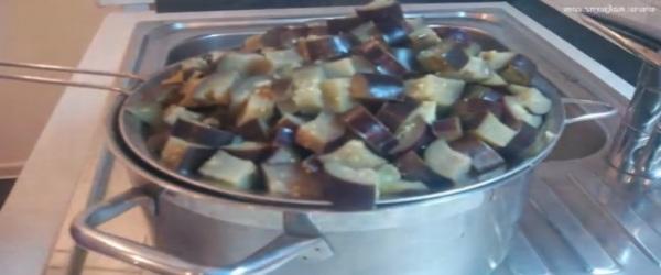 Как правильно варить баклажаны