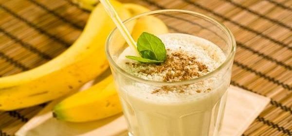 бананово кунжутный коктейль